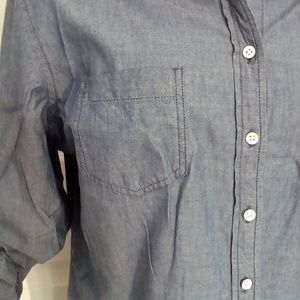 Tommy Hilfiger Tops - Tommy Hilfiger chambray button down shirt sz L